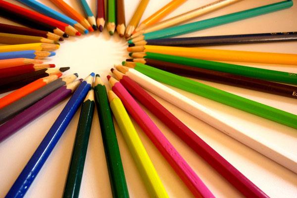 Sáng tạo không gian đầy màu sắc bằng sơn màu